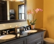 bathroom2_512x768.jpg